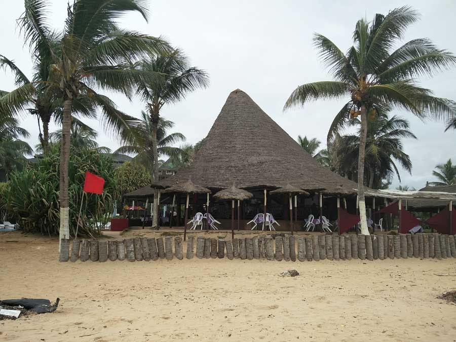 Les Hôtels à Grand Bassam (Côte d'Ivoire) sont dessert depuis les attentats du 13 Mars 2016.