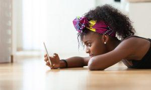 Mobile téléphone et portable