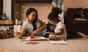 Préparer Noel à l'avance : nouveau challenge pour les parents