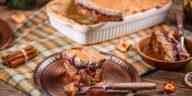 Gâteau aux pommes caramélisées renversé