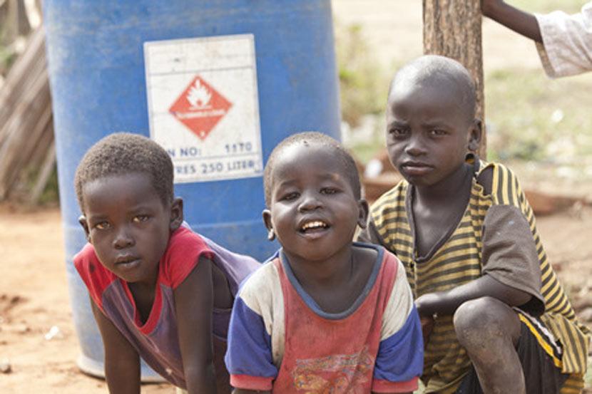Enfant dans la rue Sénégal