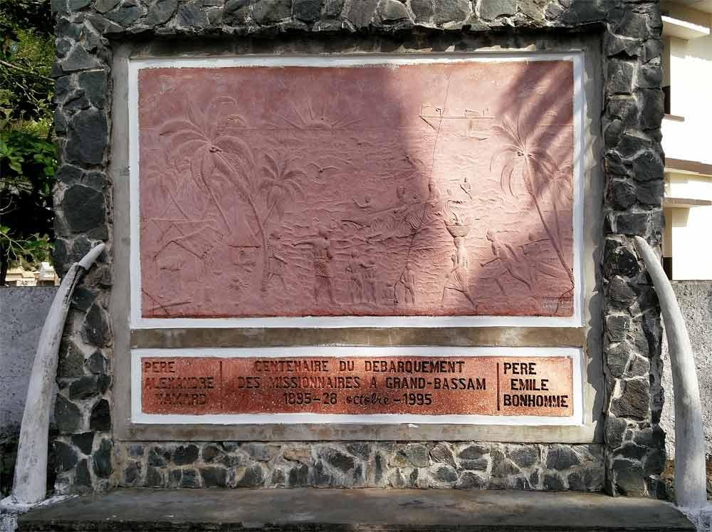 Grand-Bassam plaque mémoire
