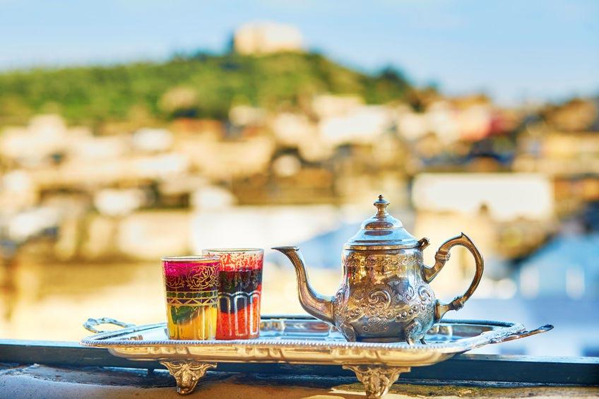 Thé à Marrakech dans hôtel au Maroc